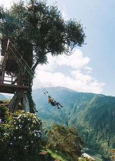 Here's our guide covering 10 fun things to do while visiting Baños, the perfect budget adventure town in Ecuador. Places To Travel, Travel Destinations, Places To Go, Chili Voyage, Adventure Town, Areas Protegidas, Laos, Local Tour, World Pictures