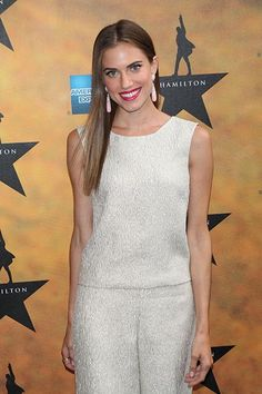 A major congrats are in order for Allison Williams and her new husband!