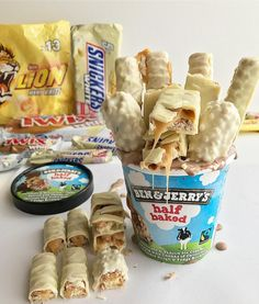 Cute Desserts, Delicious Desserts, Yummy Food, Snickers White, Junk Food Snacks, Milk Shakes, Food Goals, Morning Food, Frozen Desserts