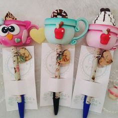 Polymer Clay Pens, Polymer Clay Halloween, Pencil Topper Crafts, Pencil Toppers, Diy Crafts Phone Cases, Diy Home Crafts, Arts And Crafts, Clay Bear, Beaded Angels