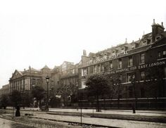 London Hospital in the East End of London - 1906 #East_End #London #Places
