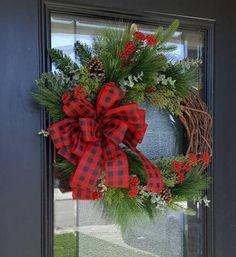Diy Wreath, Grapevine Wreath, Greenery Wreath, Rustic Wreaths, Holiday Wreaths, Winter Wreaths, Christmas Decorations, Poppy Wreath, Outdoor Wreaths