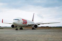 O Boeing 767 pode voar por mais de 11.000 km, mas na ponte aérea vai percorrer apenas 400 km (TAM)