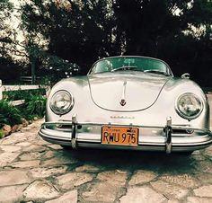 Porsche 356 Ça parait que VW avait engagé le concepteur de Porsche... lorsqu'il n'avait pas encore les moyens d'avoir son entreprise...