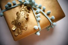 Mint / Gold - gift wrapping ideas