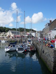 // Founded in the century, the friendly port is one of Cornwall's oldest towns. Ensconced on the beautiful north coast, it is quaint enough in its own right to attract travelers en route to Places To Travel, Places To See, Chill Photos, Wonderful Places, Beautiful Places, Yorkshire England, Yorkshire Dales, St Just, Living In England
