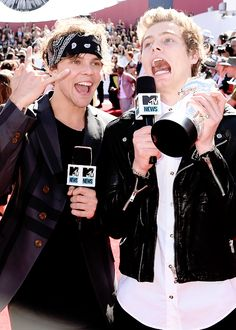 5 Seconds of Summer arriving to the 2014 MTV Video Music Awards held at The Forum on August 24th, 2014