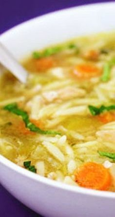 A fun variation to your favorite comfort food! Grab some fresh basil and give this delicious Basil, Chicken & Orzo Soup recipe a try toda. Chicken Orzo Soup, Basil Chicken, Tortellini Soup, Chicken Soup Recipes, Cooking Recipes, Healthy Recipes, Healthy Soup, Freezer Recipes, Freezer Cooking