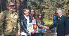 """Konkurs plastyczny """"Sarna to nie żona jelenia"""", skierowany do uczniów gimnazjów, a ogłoszony przez KŁ im. św. Huberta z Pińczowa, doczekał się rozstrzygnięcia."""