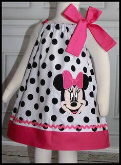 NEW Super Cute Polka dot Minnie Mouse por LilBitofWhimsyCoutur