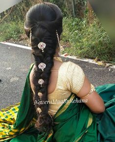 Simple Bridal Hairstyle, Bridal Hairstyle Indian Wedding, South Indian Bride Hairstyle, Indian Bridal Hairstyles, Bride Hairstyles, Hairstyles Haircuts, Cool Hairstyles, Hair Style On Saree, Vaddanam Designs