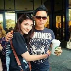 I want a picture like this with him (*^﹏^*) I want to hug him ❤