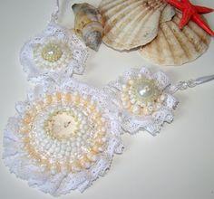 naszyjnik kwiaty białej róży