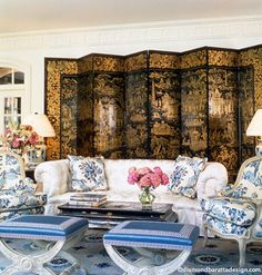 Diamond and  Baratta, Pretty room, gorgeous screen, Can't get enough of the stools.