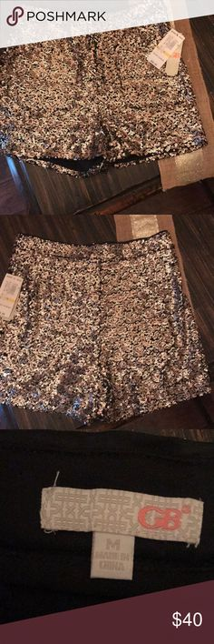 NWT Gianni bini high waisted sequin shorts New with tags gold sequin shorts high waisted two small pockets on the front size medium Gianni Bini Shorts