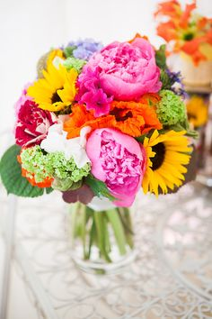 Flower Design Events: Bridal Bouquet. Cute & bright.
