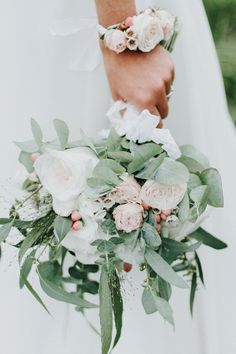 green, white and pink bouquet | Image by Les Ateliers du Lux  #wedding #weddinginspiration #bride #groom #countryside #countrysidewedding #weddingdress #weddingflowers #france #frenchwedding