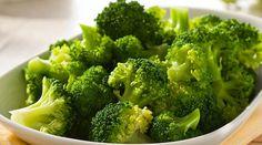 Informação Nutricional do Brócolis Refogado: Calorias, gordura total, sódio, carboidratos, fibra, açúcar, proteína, zinco, fósforo, ferro, cálcio, nutrição