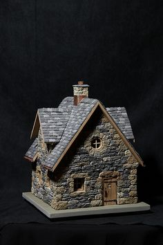 Mini gardens 574631233694476549 - miniature stone cottage Source by Clay Houses, Ceramic Houses, Putz Houses, Miniature Houses, Miniature Gardens, Miniature Dolls, Stone Cottages, Stone Houses, Vitrine Miniature