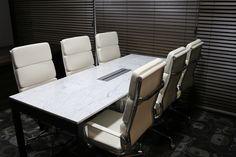 WMQU Table 대리석 : 비앙코까라라 프레임 : 블랙색상 사이즈 : 주문제작 Office Table, Conference Room, Marble, Furniture, Home Decor, Decoration Home, Room Decor, Granite, Home Furnishings