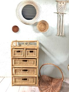 Vintage rotan ladenkastje | Kasten | GaafinHuis Boho Accessories, Bamboo, House Design, Vintage, Vintage Comics, Architecture Design, Home Design, Primitive, Home Design Plans
