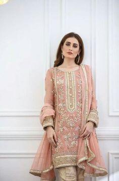 The colour pakistani dresses pakistani fashion shadi dresses, p Pakistani Party Wear Dresses, Shadi Dresses, Pakistani Wedding Outfits, Pakistani Dress Design, Indian Outfits, Designer Party Wear Dresses, Indian Party Wear, Wedding Hijab, Party Wedding