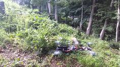 YouTube Nutzer Hogwit hat einen gerade mal 14 Sekunden langen Film veröffentlicht, der einen fliegenden Quadkopter mit daran montierter Pistole zeigt, die in einem Waldstück aus niedriger Höhe mehrere Schüsse abgibt. Das Fluggerät fängt den Rückstoss der Schüsse dabei erstaunlich gut ab und scheint zu keinem Zeitpunkt in einen unkontrollierten Flugzustand zu geraten. Beängstigend und [ ]