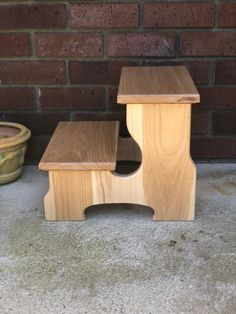 Two Step Stool Wood Footstool in Hickory by CW Furniture Easy Woodworking Projects, Woodworking Furniture, Wood Projects, Timber Furniture, Kids Furniture, Cube Chair, Rustic Farmhouse Table, Wood Stool, Kitchen Stools