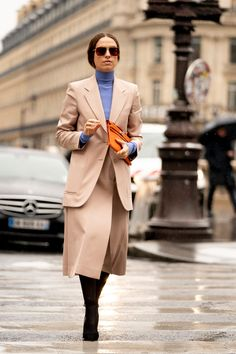 Paris Street Style Influencer Looks Fall The Best Men's Street Style Photos from Paris Fashion Week Women's, models, editors, influencer photos Cool Street Fashion, Paris Fashion, Fashion Photo, Autumn Street Style, Street Style Looks, Mademoiselle Yulia, Work Chic, French Brands, Style Snaps