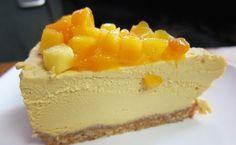 Mango Kwarktaart recept, gemakkelijk te bereiden zonder oven! De frisse zoete smaak van mango in combinatie met de roomkaas is fantastisch! Smullen maar!