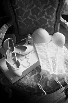 Reportage | Les préparatifs des mariés - lingerie -photographe www.modaliza.fr Conseils et astuces modaliza photographe