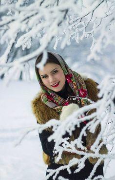 A pretty girl in Russian Pavlovsky Posad shawl.