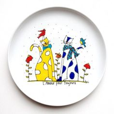 Decorative plate in porcelain 2 cats for lovers or big friends . Painted Plates, Hand Painted Ceramics, Pottery Painting, Ceramic Painting, Pottery Plates, Ceramic Pottery, Ceramic Cafe, Acrylic Artwork, Sharpie Art