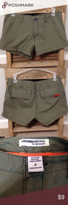 🎉Abercrombie and Fitch shorts🎉 These army green shorts have pockets and are very comfortable! Great for the summer! Worn a few times. Tag on the inside marked. No other damages. Abercrombie & Fitch Shorts