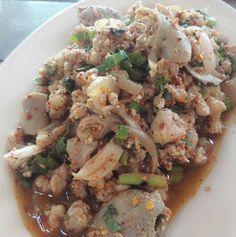 ลาบหมู Thai Recipes, Asian Recipes, Thai Street Food, Thai Dishes, Dessert Recipes, Desserts, Food Art, Potato Salad, Catering