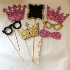 This item is unavailable : Princess Photo booth props glitter photo booth by Lenoreloves Baby Shower Princess, Princess Birthday, Girl Birthday, Deco Nouvel An, Glitter Photo, Princess Photo, Party Props, Party Hats, Party Ideas