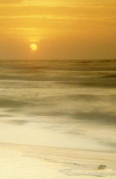 Dawn, Gulf of Mexico, Grand Isle State Park, Louisiana