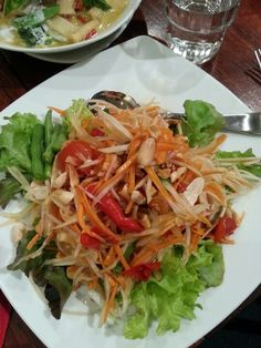 Thai Spicy Papaya Salad - Som Tum