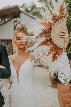 Boho Bride, Boho Wedding Dress, Wedding Shoot, Chic Wedding, Dream Wedding, Wedding Dresses, Rustic Bohemian Wedding, Boho Wedding Flowers, Bohemian Wedding Inspiration