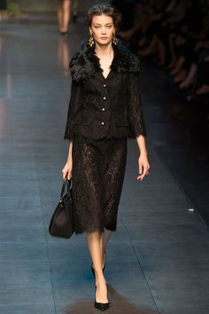 Dolce & Gabbana - Spring/Summer 2014 Milan Fashion Week- love the skirt Runway Fashion, High Fashion, Fashion Show, Fashion Design, Milan Fashion, Dolce & Gabbana, Diana Moldovan, Dressed To The Nines, Mode Inspiration
