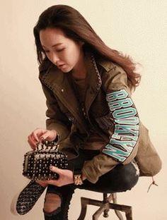 Korea feminine clothing Store [SOIR] Hot Gossip field jacket / Size : FREE / Price : 125.83USD #korea #fashion #style #fashionshop #soir #feminine  #special #khaki #jacket #safari #Casual #Basicitem