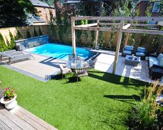 Small backyard pool Kleiner Pool im Garten Small Inground Pool, Small Swimming Pools, Small Backyard Landscaping, Small Pools, Backyard Patio, Small Backyards, Landscaping Ideas, Indoor Swimming, Lap Pools