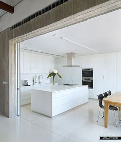 House 0614 in Cyprus // Simpraxis Architects | Afflante.com