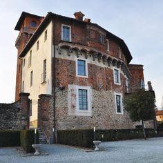 Oggi mi sento un re un soggiorno al @CastLaRocchetta di #gattiezanonegourmetecharme è un'ottima base per vivere il biellese circondati dall'atmosfera di corte! #ExploreBiella #ExploreSandigliano #Piemonte