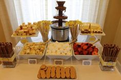 Chocolate Fountain Wedding, Chocolate Fountain Recipes, Chocolate Fountains, Chocolate Fondue Bar, Fruit Party, Party Desserts, New Fruit, Candy Table, Best Chocolate