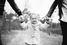Wat een leuk en lief gezin mocht ik afgelopen vrijdag op de foto zetten! Een tijdje geleden had ik een oproepje gedaan voor een paar Beloved fotosessies die ik graag wilde doen om de 'technie…