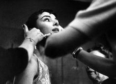 Audrey Hepburn gets some assistance backstage at the 1954 Academy Awards. Photo: Leonard McCombe