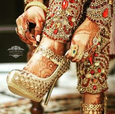What You Need To Know About Shoe Shopping. When new shoes are needed, you'll need advice on the best way to find them. Luckily, this article is going to give you shoe knowledge. Bridal Mehndi, Indian Bridal, Mehendi, Engagement Mehndi Designs, Wedding Shoes Bride, Pakistani Fashion Casual, Bridal Sandals, Bridal Photoshoot, Dress Indian Style