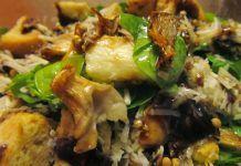 Λαχταριστή σαλάτα ρόκα με ψημένα μανιτάρια και χαλούμι Food And Drink, Meat, Chicken, Cooking, Kitchen, Cuisine, Koken, Brewing, Kochen