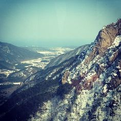"@Graham Budd's photo: ""Looking out towards the #sea. #seoraksan #sokcho #korea #asia #travel #mountain #속조 #한국 #twitter"""